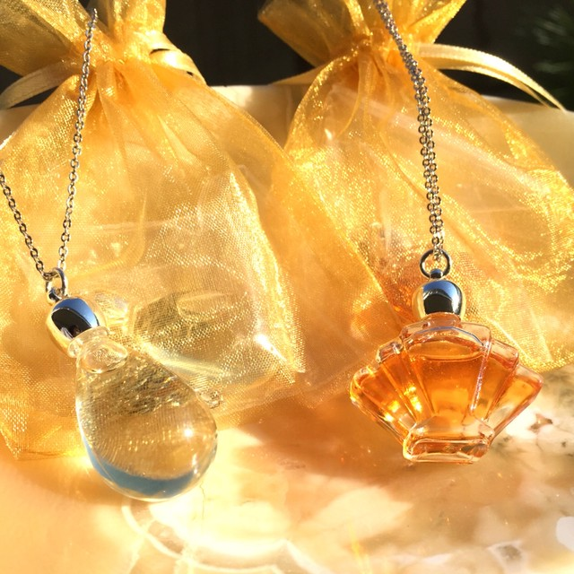 13チャクラのエジプト香油【光輝燦然~神聖な火の香り~】&【月のひと雫~神聖な水の香り~】
