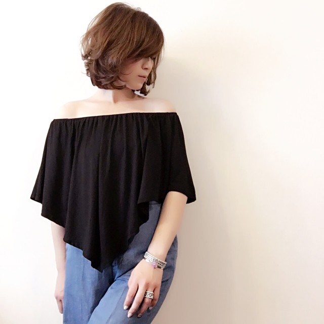 off shoulder . 2way tops