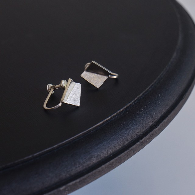 square earring / s