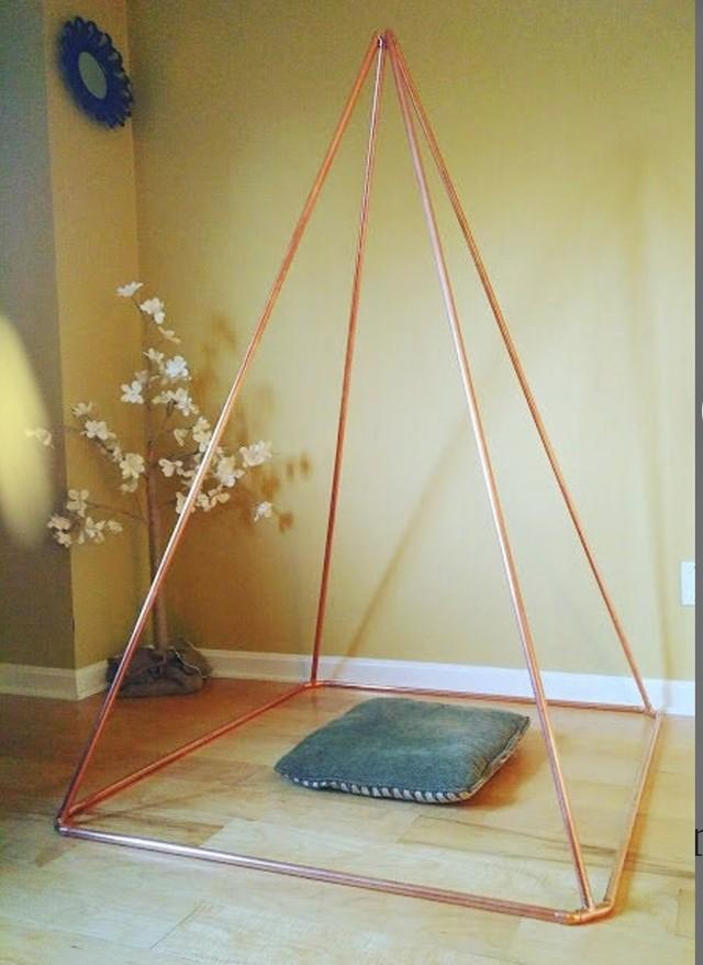 メディテーション 瞑想 ピラミッド 銅製 W 104 cm x H 157 cm