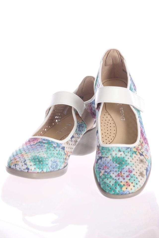 花柄プリントベルト靴