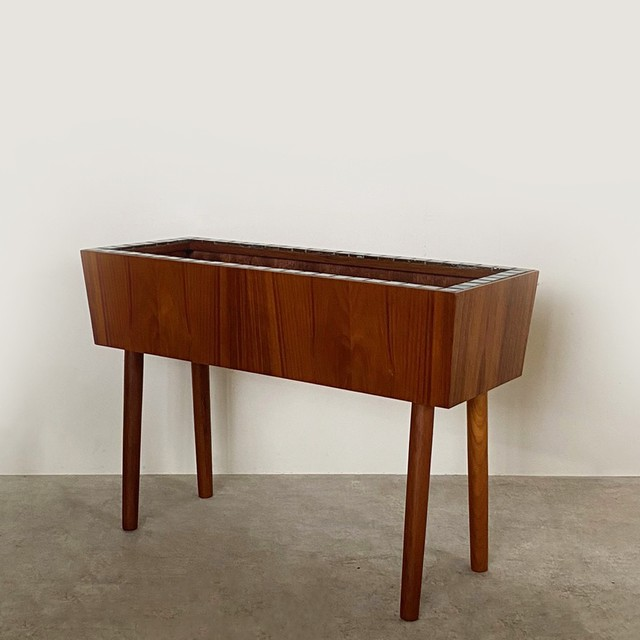 Planter stand / OH006