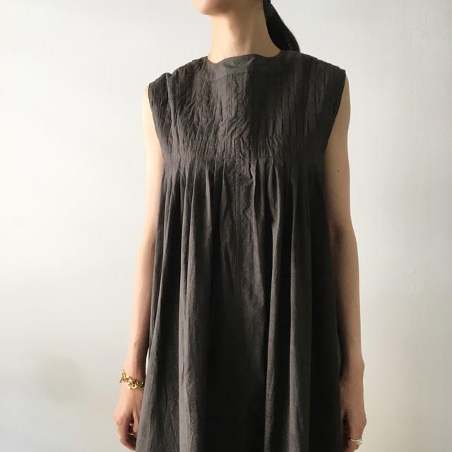"Gather dress ""black kassis"" natural dyed"