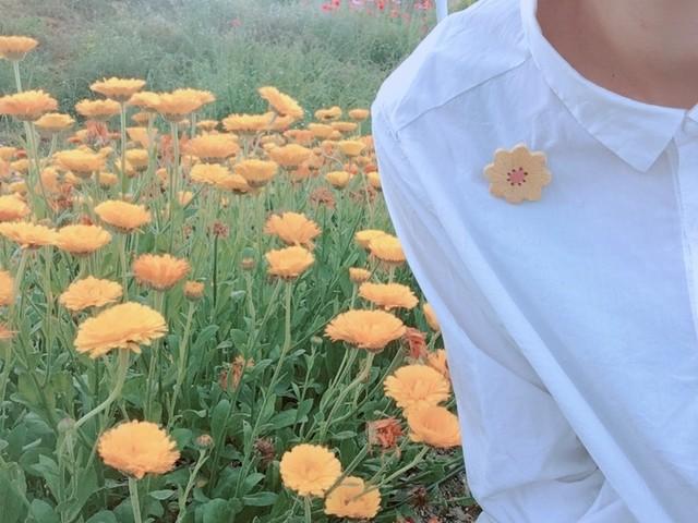 小さなお花ブローチ