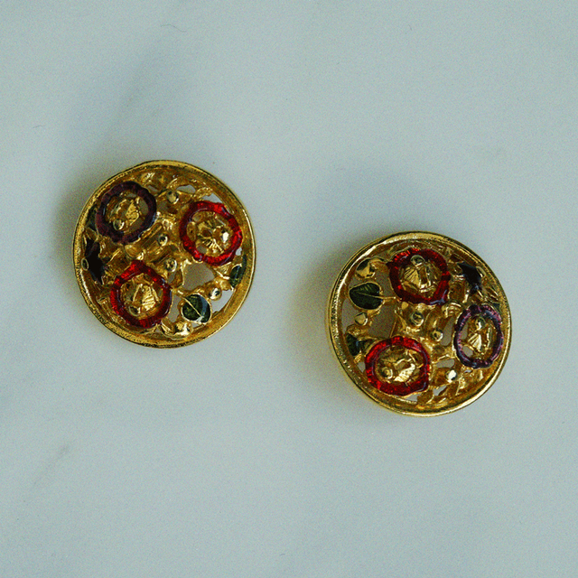 80's gold flower earring