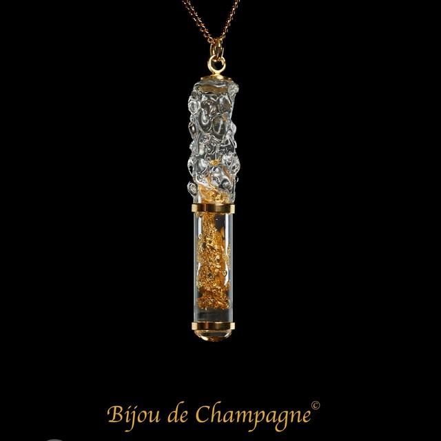 ビジュ・ドゥ・シャンパーニュ|「ムース・ドゥ・シャンパーニュ」ガラスジュエリー(シャンパーニュの泡)ペンダント|フランス製|アクセサリー