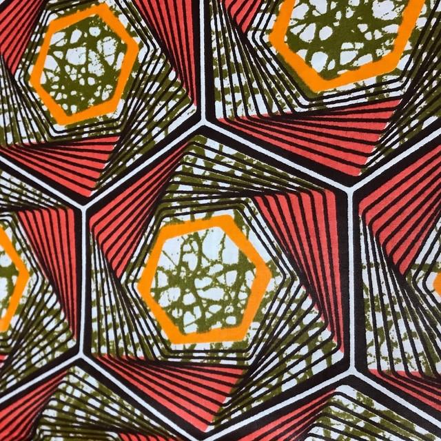 フレンチスリーブワンピース 「ハニカム」カーキ x オレンジ x ブラウン / アフリカンファブリック アフリカンバティック ガーナ服