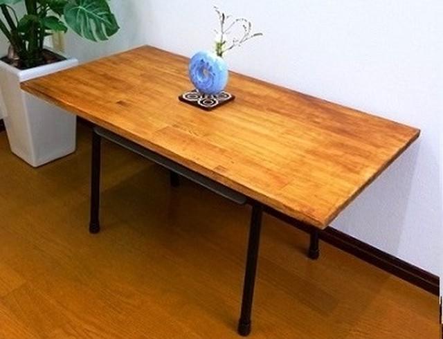 あの頃にタイムスリップ?懐かしさ溢れるローテーブル(学校机×ブラウン)