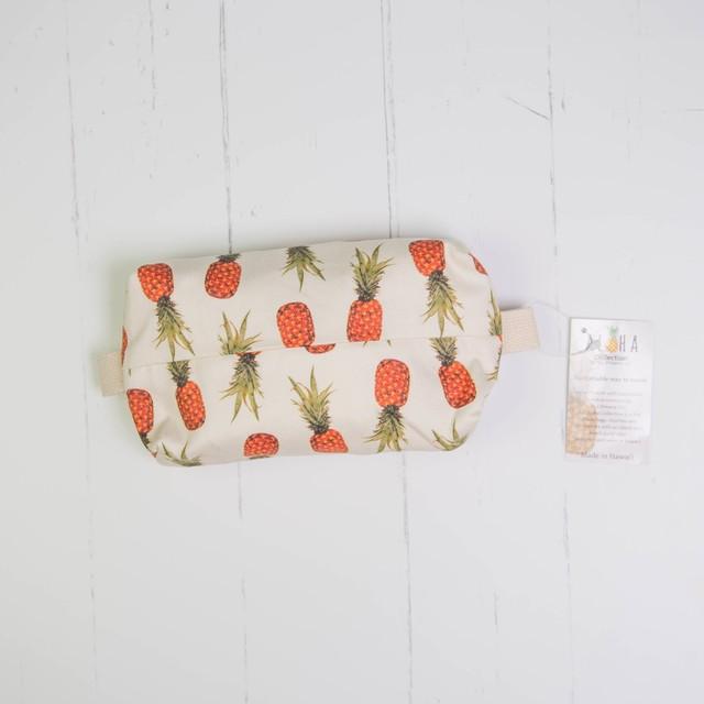 メイクアップバッグ(防水裏地付き) -Orange Pineapples scattered