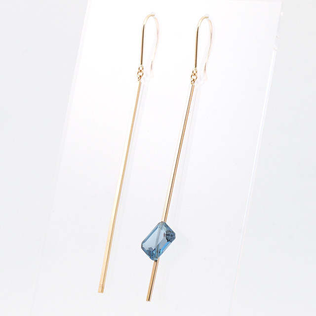 Stick pierced earrings / Hook