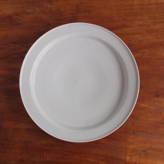 稲村真耶 | 白磁リム7寸皿