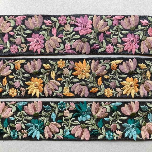 黒地カラフル草花インド刺繍リボン