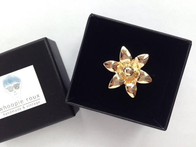 Joyeux <gold ring>