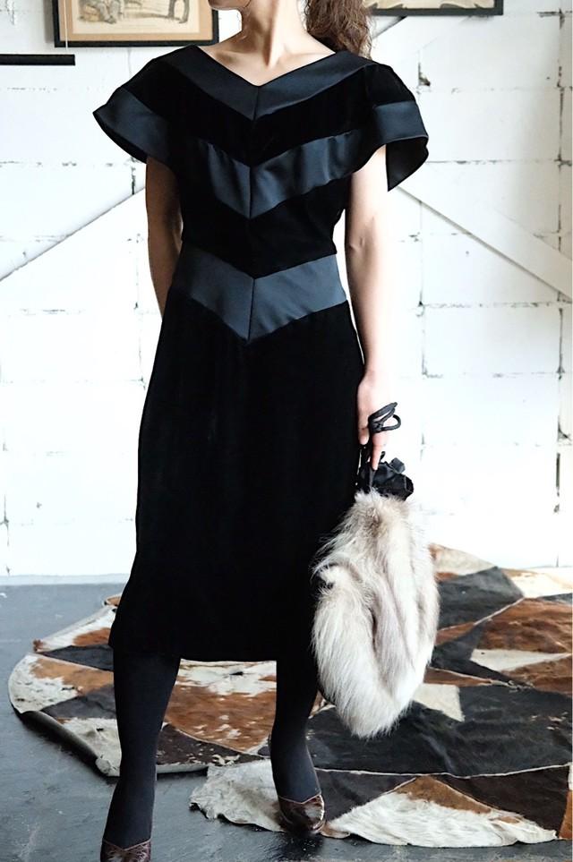 80s big shoulder velvet dress