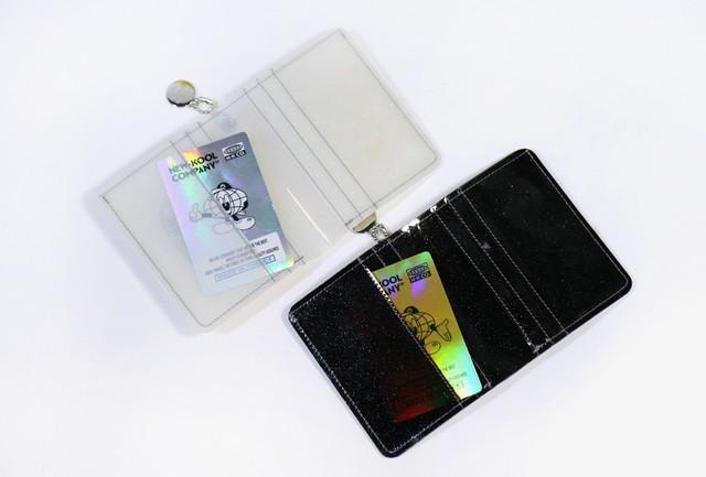 [PT-41] 「NKC」 グリッター二つ折り財布 ホワイト