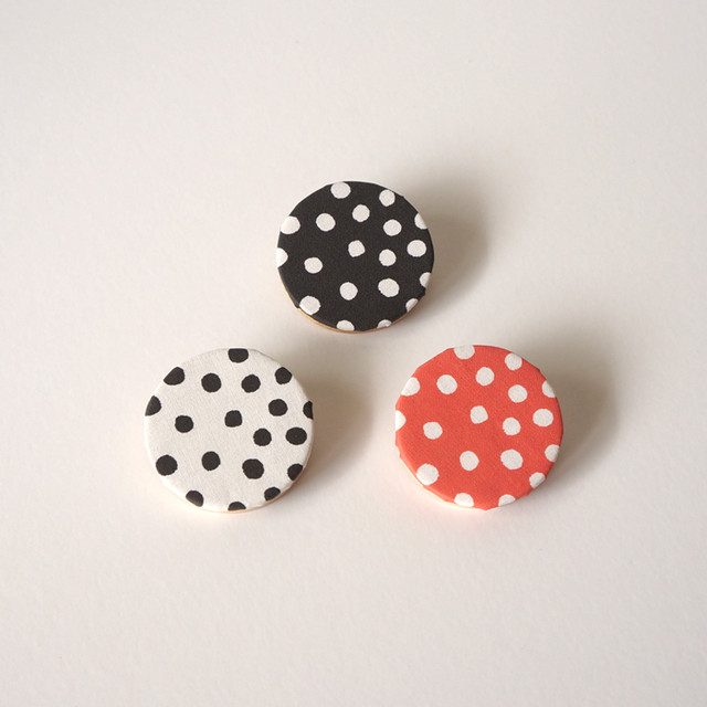 rondo brooch - dot ( ブラック / ホワイト / レッド )