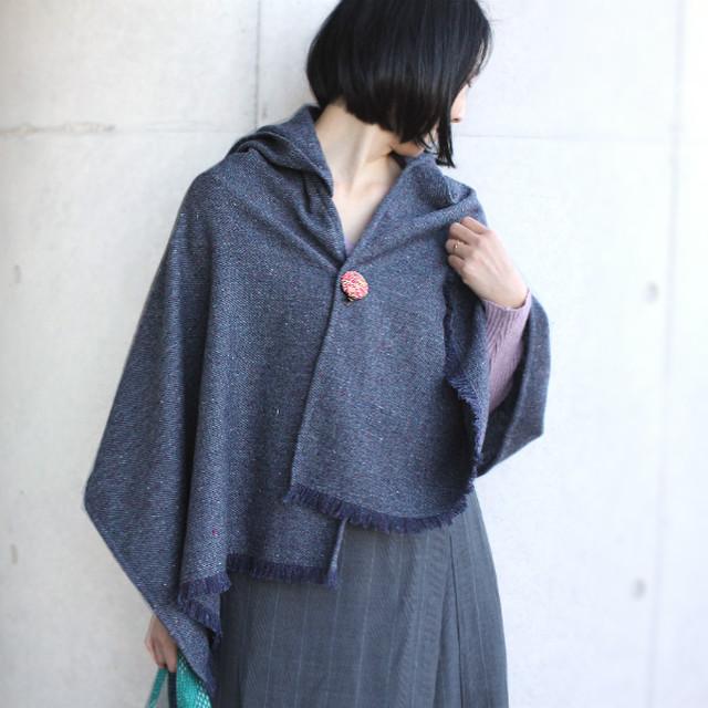 選べる刺繍ブローチ付きウールストールポンチョ【モヘア混ネイビー】