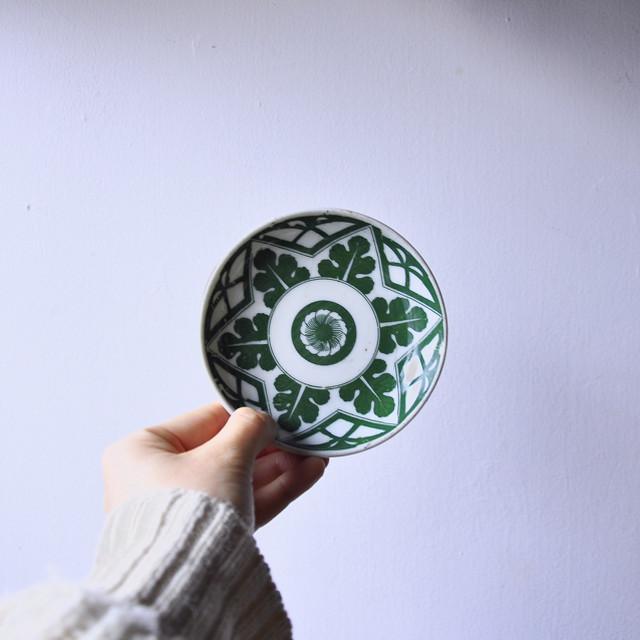 【印判小皿- 菊×大根葉-】