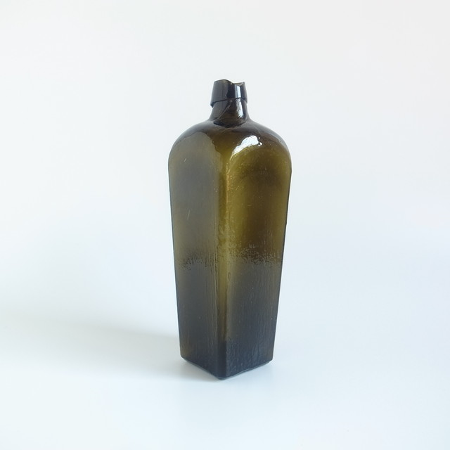 Glass gin bottle[B]