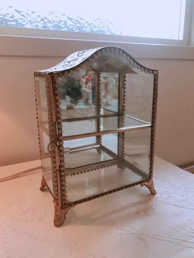 ガラス 縁飾りが素敵な宝石箱 在庫1