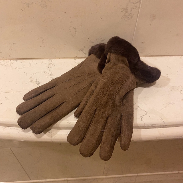 velours gloves