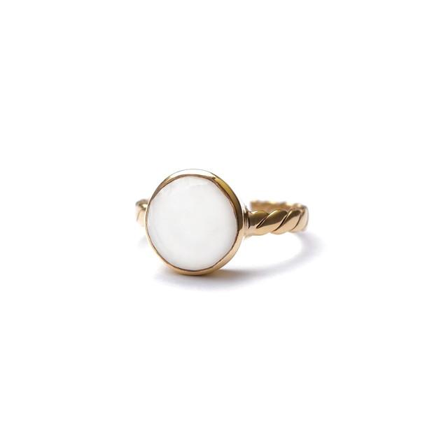 CIRCLE STONE FLAT TWIST RING -Rainbow moon stone-