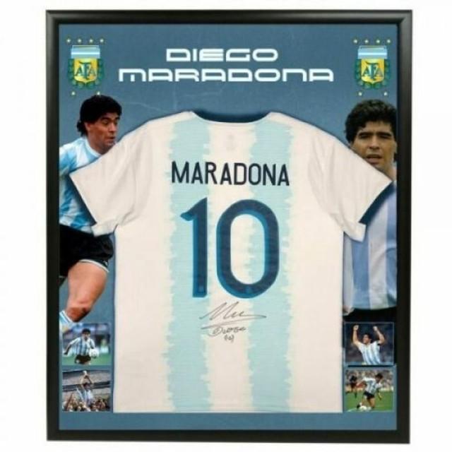 ディエゴ・マラドーナ 直筆サイン入りユニフォーム アルゼンチン代表 グラフィック背景