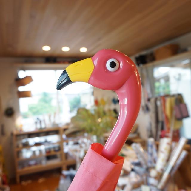 雨の憂鬱もピンクでハッピーに。FLAMINGO UMBRELLA FOLD(フラミンゴの折り畳み傘)