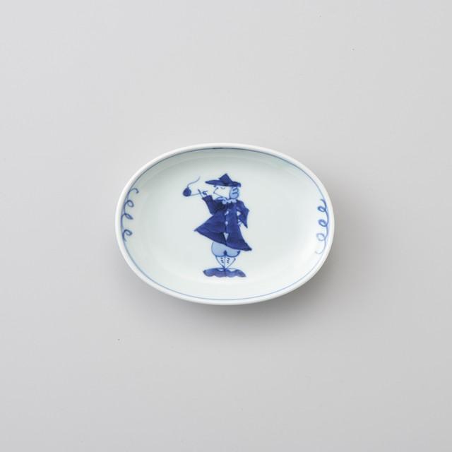 【青花】パイプ異人 小判小皿