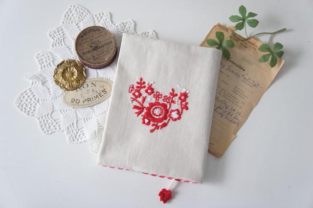 刺繍のがま口長財布(グリーン)