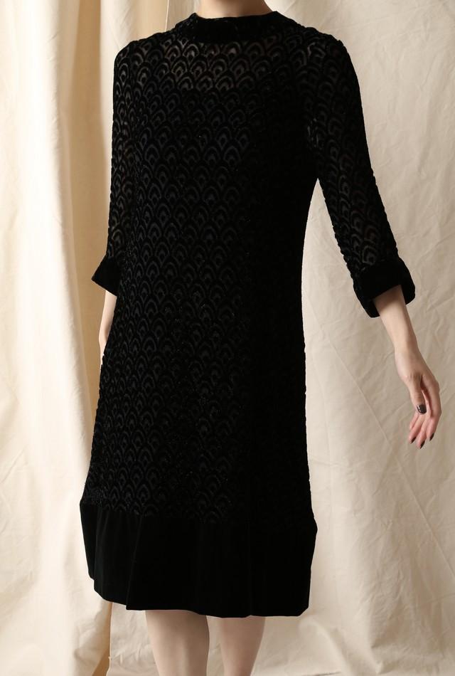 Vintage Long Sleeved Design Dress