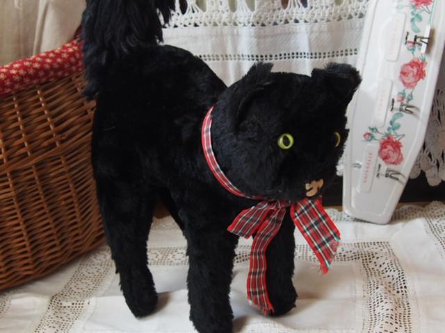 黒ネコ(Merrythought)