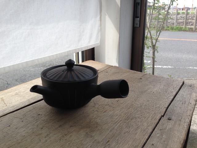 急須 菊型 黒