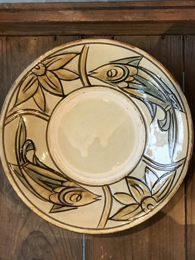 やちむん 次郎窯 魚紋 8寸皿 ライトカーキ
