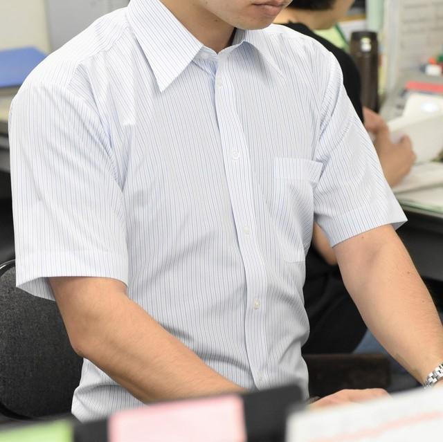 【形態安定加工】ストライプ柄ライトブルー半袖シャツ (衿ボタンダウン)CV