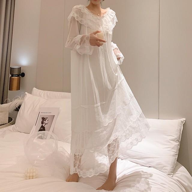 lace room dress 2c's