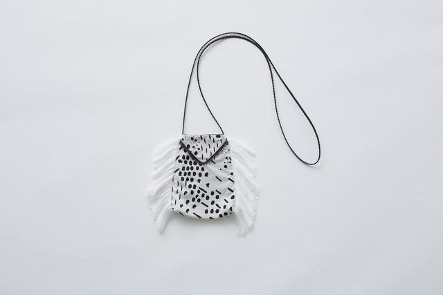 【21SS】eLfinFolk(エルフィンフォルク)QiLIin pochette (white)ポシェット
