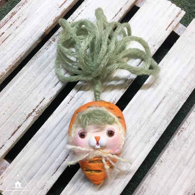 お野菜ちゃんブローチ(にんじんちゃん1)