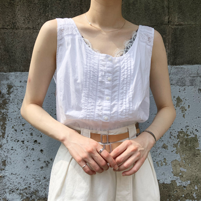 90's Euro vintage sleeve less cotton blouse