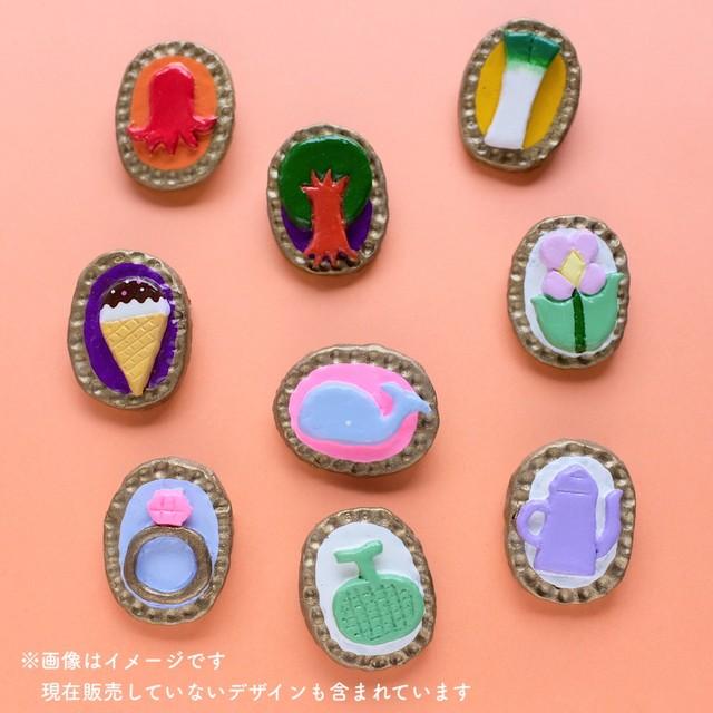 【emiumigumi】厚手の餃子くんと小籠包ちゃん ブローチ