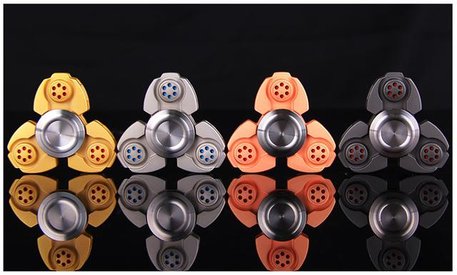 Pisner製 3枚羽型 アルミ合金型ハンドスピナー「ブレッドスナイプ」商品番号:458798【オンライン限定商品】
