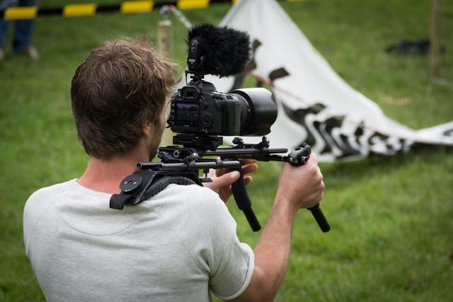 施設・場所の撮影利用に関する契約書