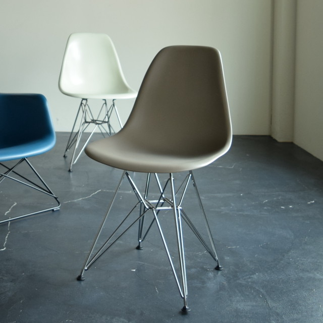 Eames Shell Side chair DSR 店頭展示仕様