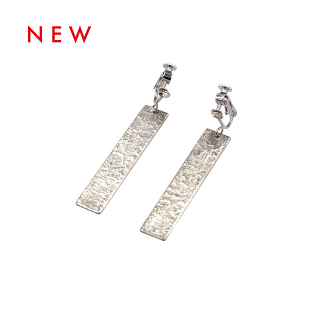 《イヤリング》TIN BREATH Earring H10×50mm Silver