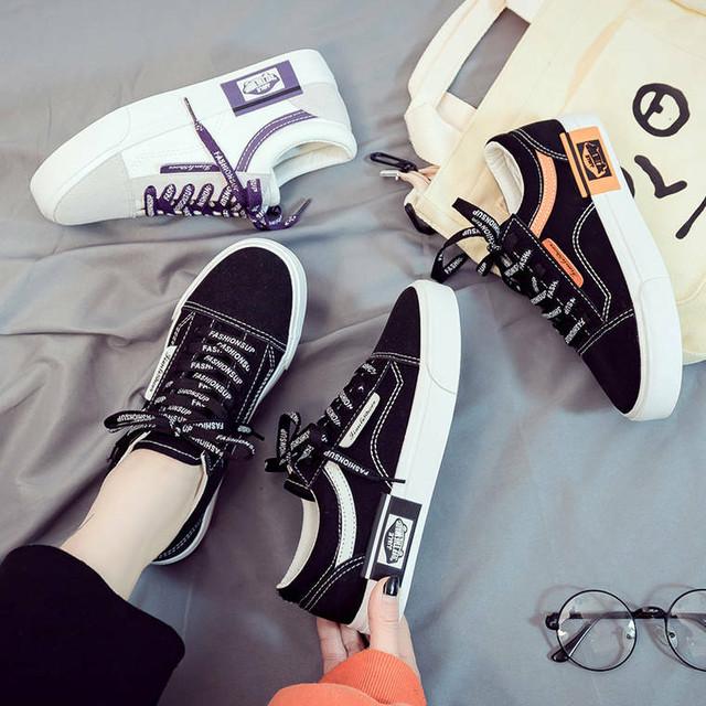 【送料無料】 靴紐もオシャレに♡ 英字ロゴ入り キャンバスシューズ スニーカー カジュアル 靴