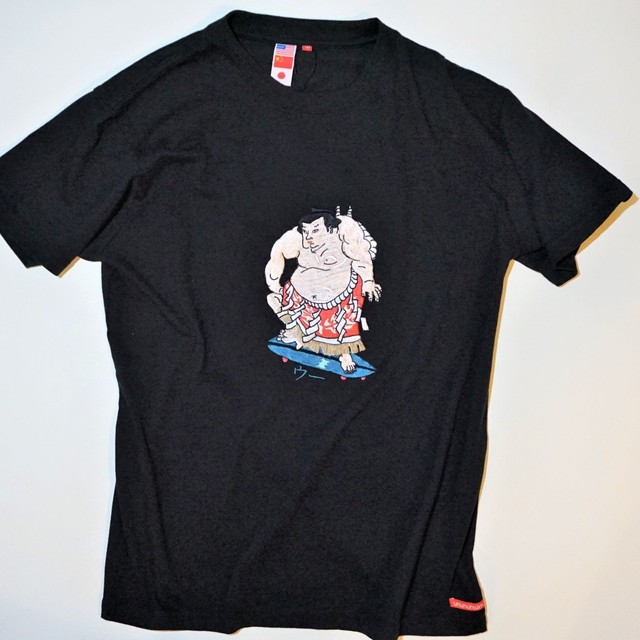 UUU. -Sumou Wrestler T-Shirt(BLACK)
