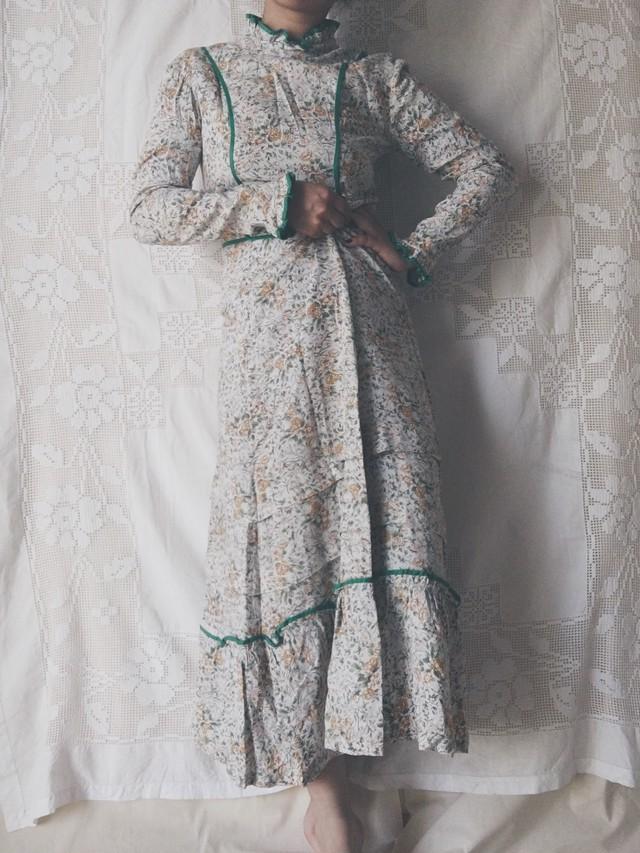 Height-neck Spring Dress