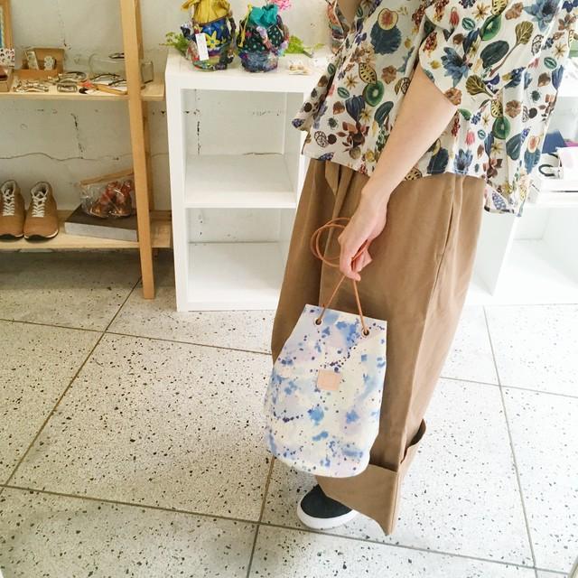 【HOLLYGRANTPATTERN】手染めハトメ巾着バッグ(splash)