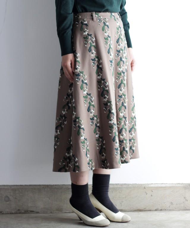 撫菜刺繍のフレアースカート  ベージュ(evh219-BEG)