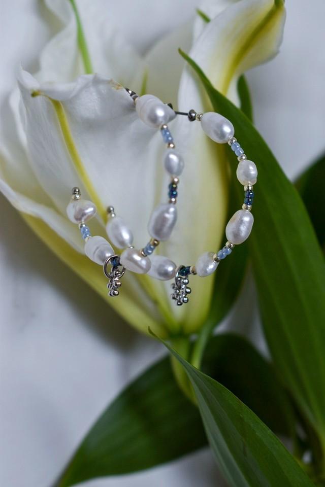 vyuha beads hoop pierce blue